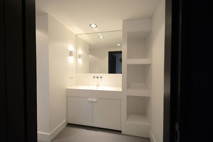 Villa 't Gooi:  Badkamer door Ecker Keukens en Interieur