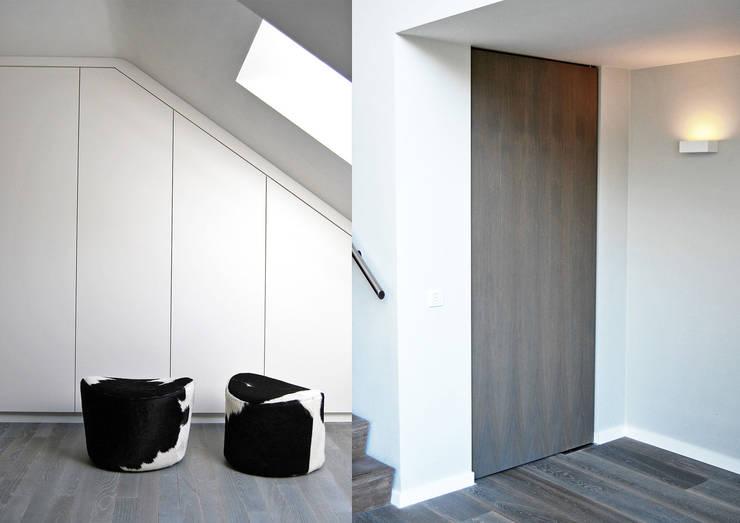 Villa Waalwijk:  Kleedkamer door Ecker Keukens en Interieur