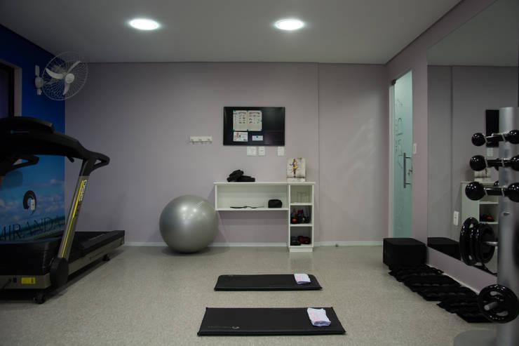 Academia MWP: Fitness  por Carla Almeida Arquitetura