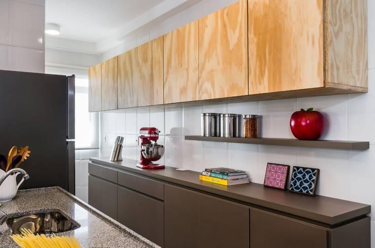 Cozinha - Projeto Santa Clara: Cozinhas minimalistas por LS ARQUITETURA
