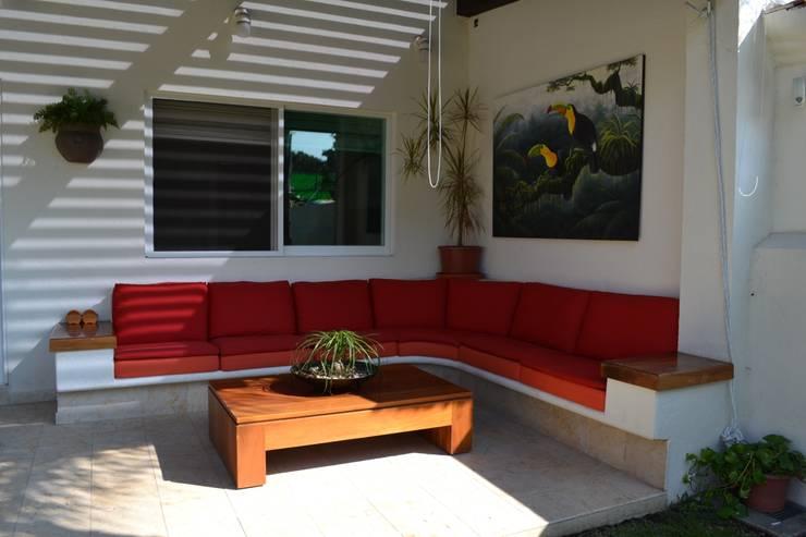 بلكونة أو شرفة تنفيذ EL DIVÁN Arquitectura & Diseño de Interiores