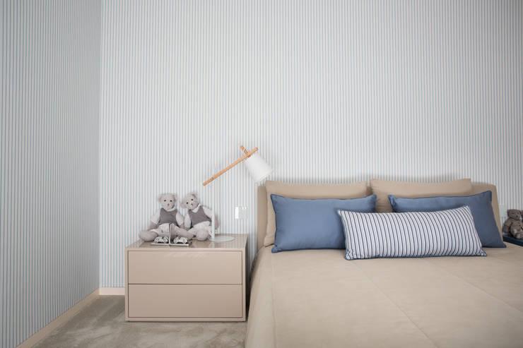 Dormitorios de estilo moderno de CASA MARQUES INTERIORES
