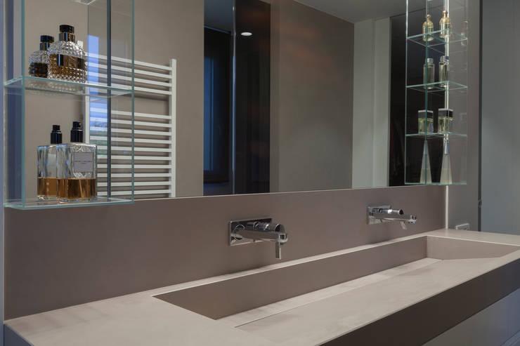 Baños de estilo  por Teresa Casas Disseny d'Interiors, Moderno