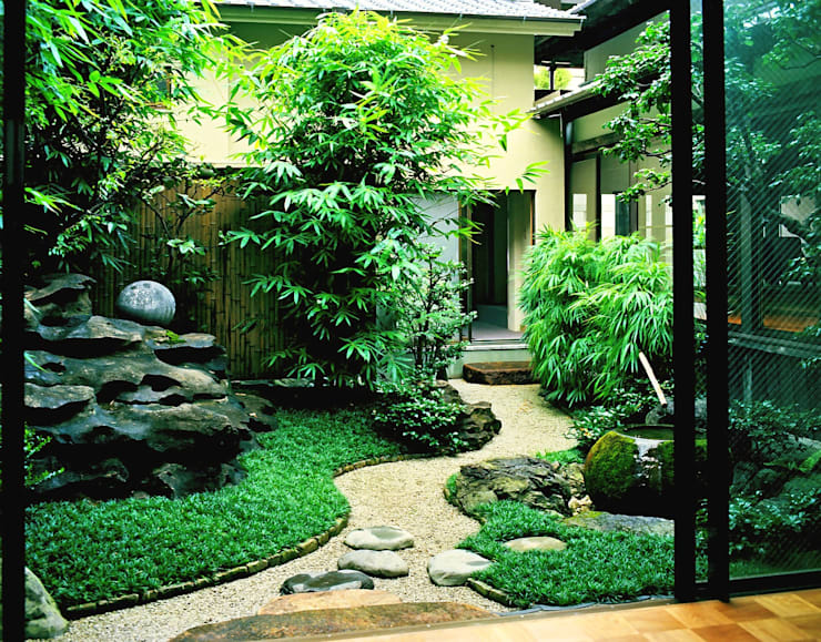 Giardino in stile  di Enatsu Garden Architect / 江夏庭苑事務所