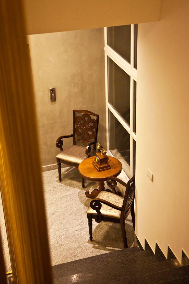 Hotel West Marret:  Corridor & hallway by Uncut Design Lab
