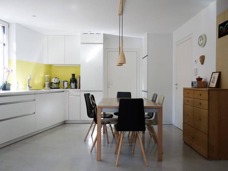 Sanierung / Risanamento: Cucina in stile  di Architekturbüro KIENZL studio di architettura