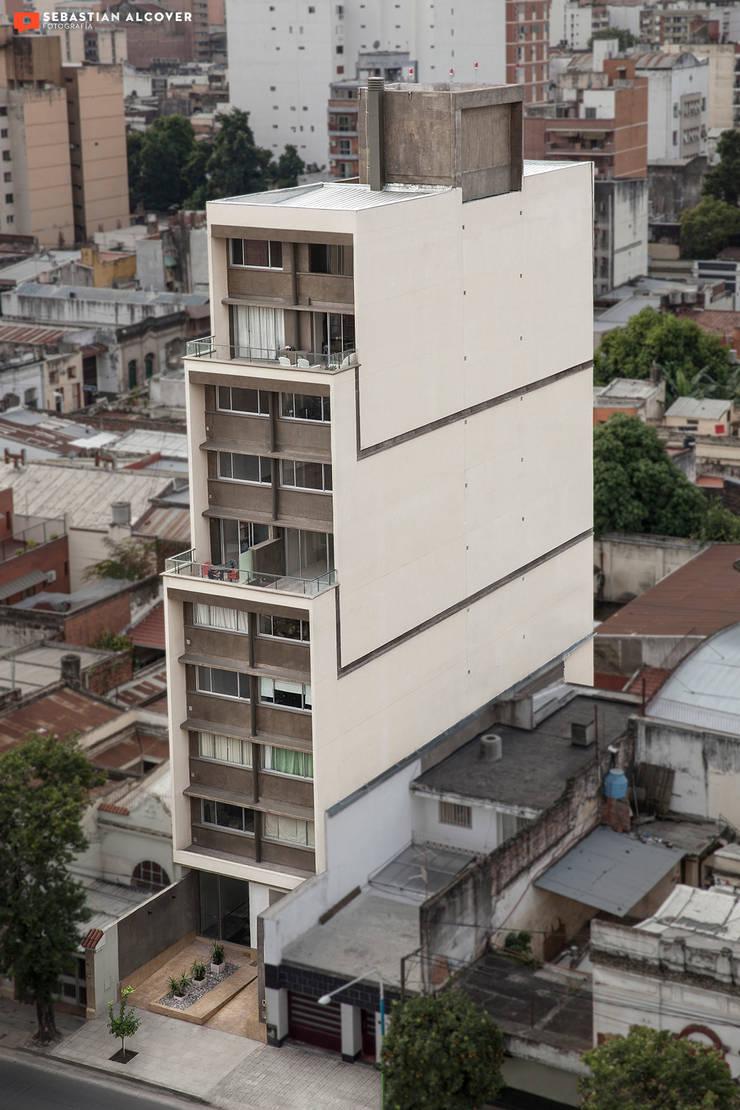 Trabajos para el estudio de arquitectura ATRIO : Casas de estilo  por Sebastian Alcover - Fotografía,