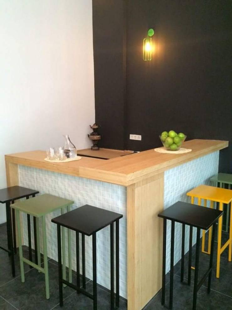 Cemre mobilya imalat ve dekorasyon – Bar tezgahi: modern tarz , Modern Ahşap Ahşap rengi