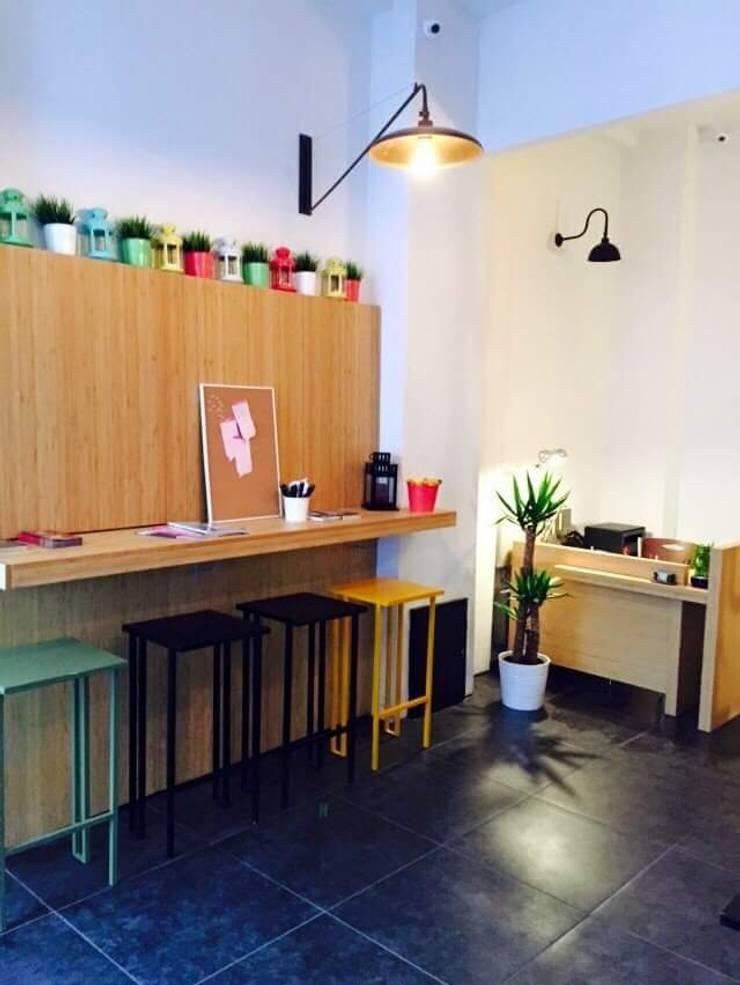 Cemre mobilya imalat ve dekorasyon – Taksim D-ROOM HOTEL: modern tarz , Modern Ahşap Ahşap rengi