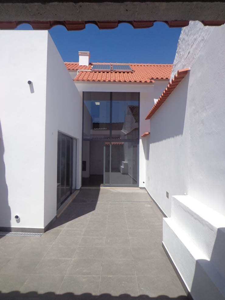 Logradouro: Casas  por Arteprumo, LDA