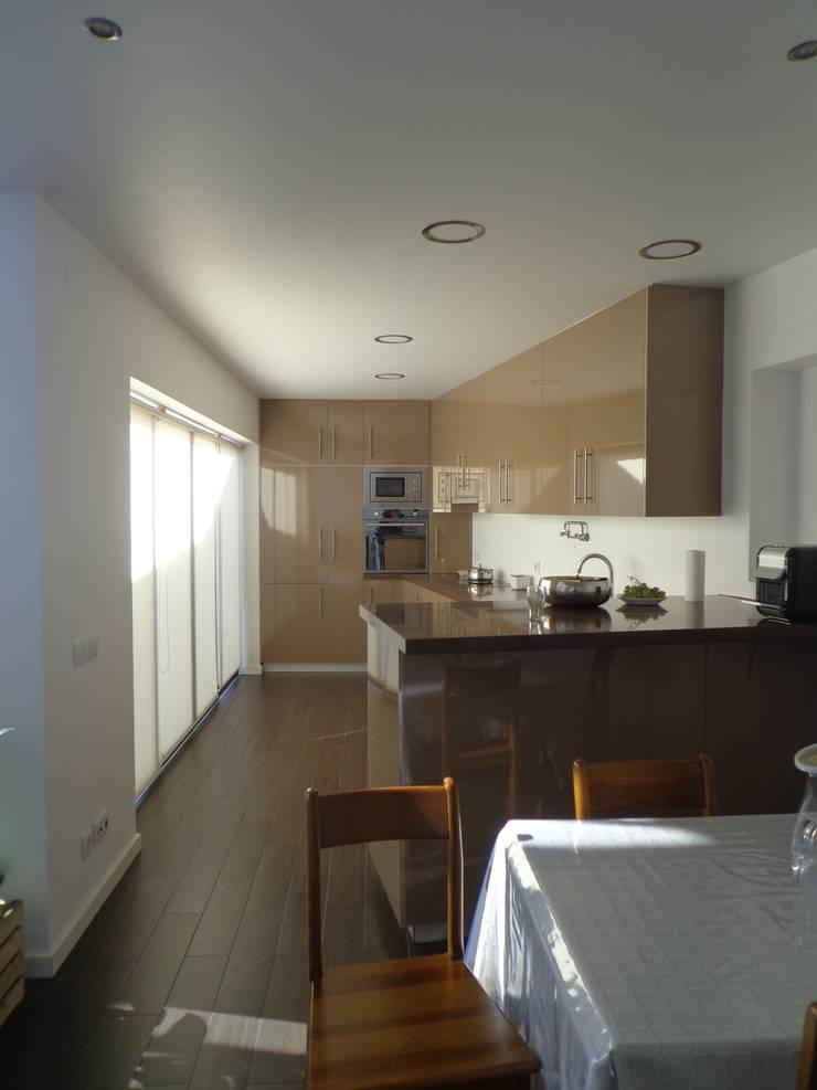 Cozinha : Cozinhas  por Arteprumo, LDA