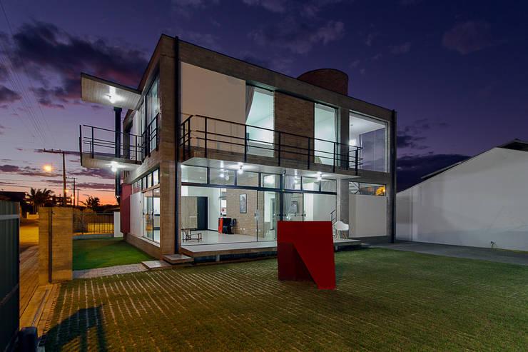 PJV Arquitetura: modern tarz Evler