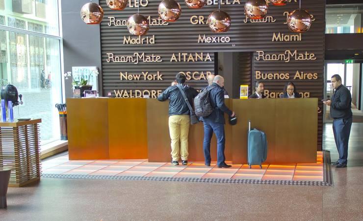 Terrazzo Vloer Hotel AITANA Amsterdam Receptie:  Hotels door Artiflex Terrazzo, Modern Graniet
