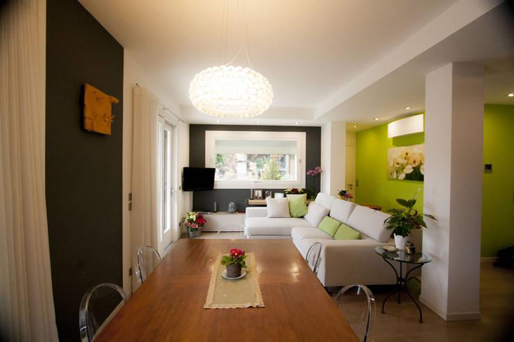 Salas / recibidores de estilo moderno por Studio HAUS