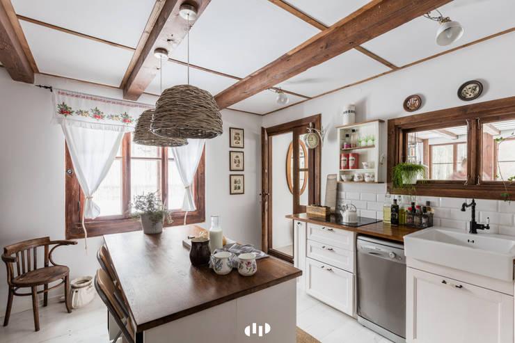 89 metrowy dom k. Warszawy: styl , w kategorii Kuchnia zaprojektowany przez dziurdziaprojekt,