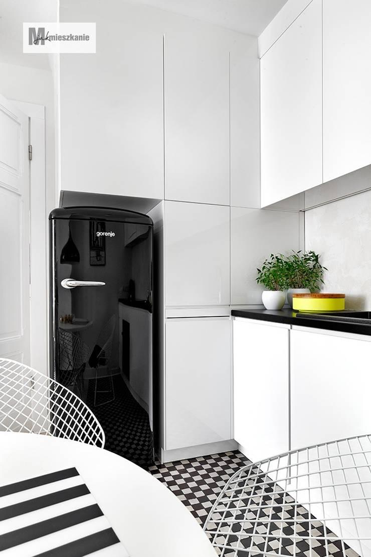 Cocinas de estilo escandinavo de dziurdziaprojekt Escandinavo
