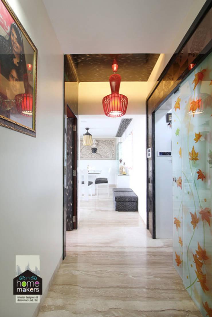 Passage:  Corridor & hallway by home makers interior designers & decorators pvt. ltd.