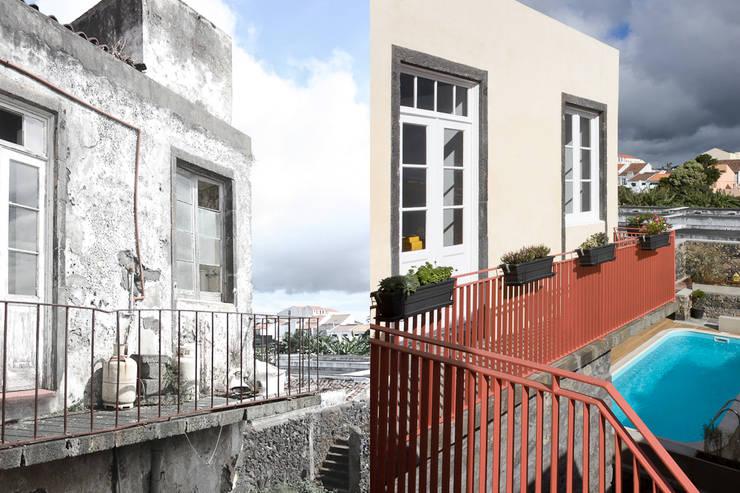 balcony:   por ARCO mais - arquitectura e construção