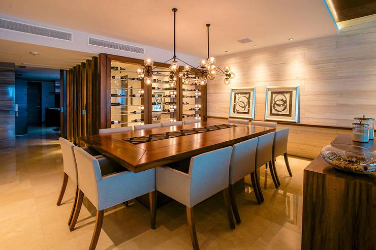Dining room by Art.chitecture, Taller de Arquitectura e Interiorismo 📍 Cancún, México.