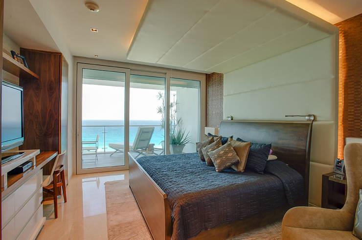 Bedroom by Art.chitecture, Taller de Arquitectura e Interiorismo 📍 Cancún, México.