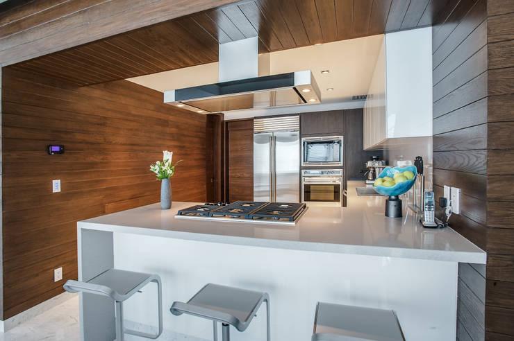 Pent-house LAHIA: Cocinas de estilo moderno por Art.chitecture, Taller de Arquitectura e Interiorismo 📍 Cancún, México.