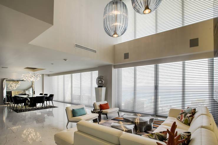 Pent-house LAHIA: Salas de estilo  por Art.chitecture, Taller de Arquitectura e Interiorismo 📍 Cancún, México.