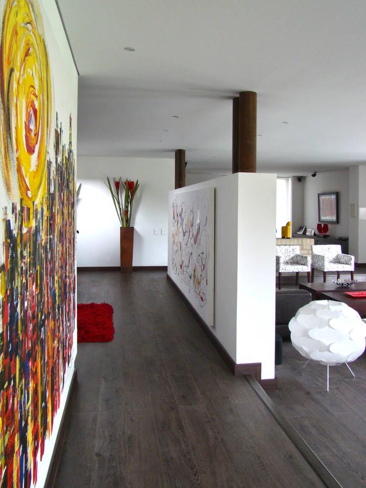 Casa del Portico: Salas de estilo  por David Macias Arquitectura & Urbanismo