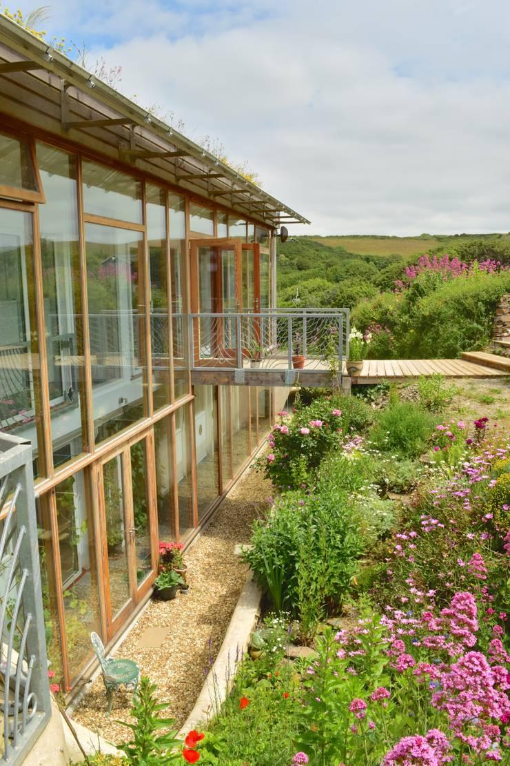 Garden by Innes Architects