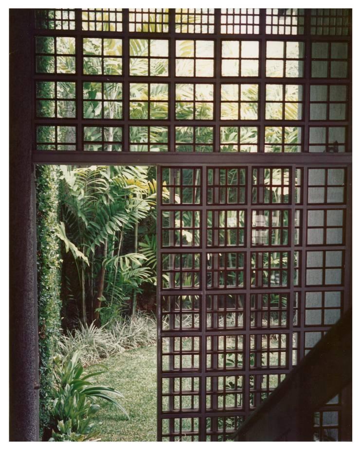 Paso Jardin: Jardines de estilo  por R+P