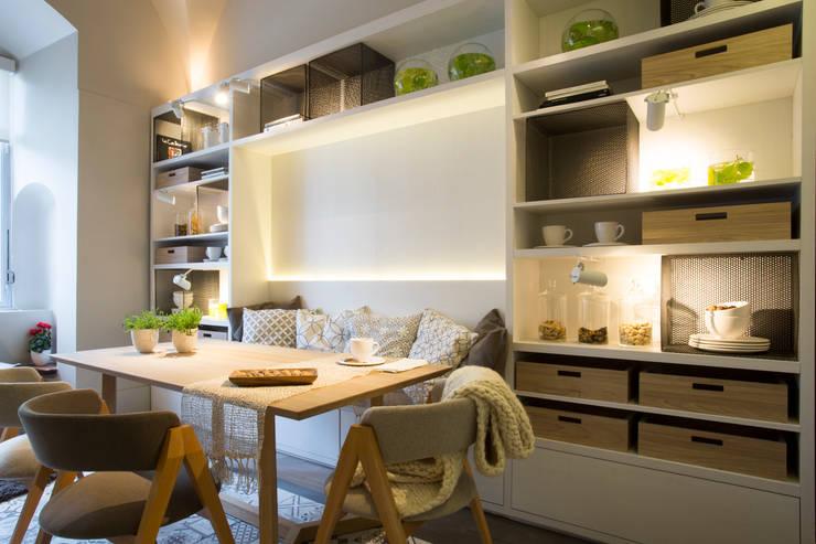 Vista mueble comedor: Comedores de estilo  por Estudio de iluminación Giuliana Nieva