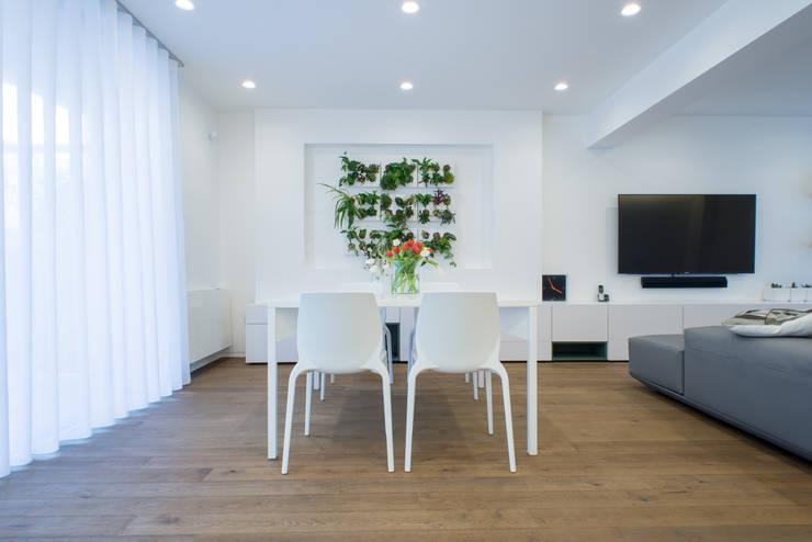 غرفة المعيشة تنفيذ Mario Ferrara