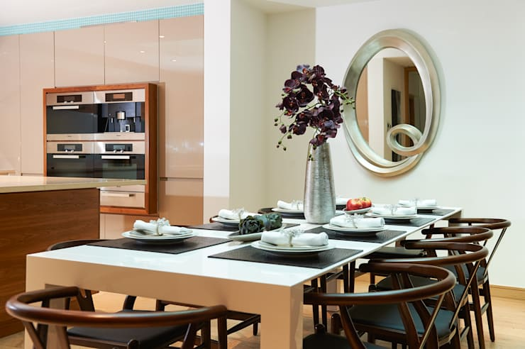 Mews House Notting Hill:  Dining room by Yohan May Design