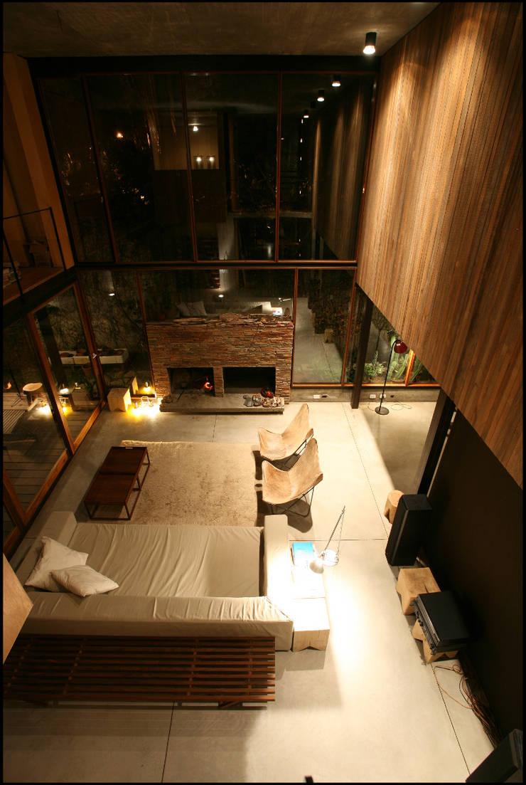 Casa OLIVOS: Livings de estilo  por Arquitecto Alejandro Sticotti