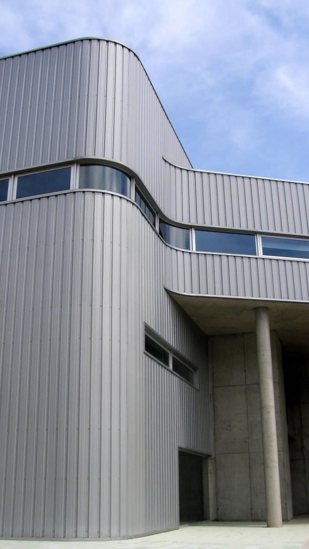 Cental de Camionagem: Espaços comerciais  por mube arquitectura