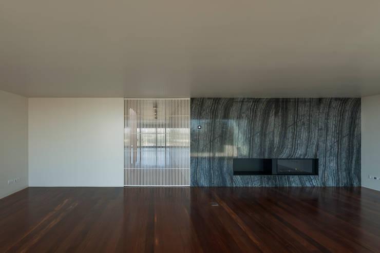 Salas modernas de ABPROJECTOS Moderno