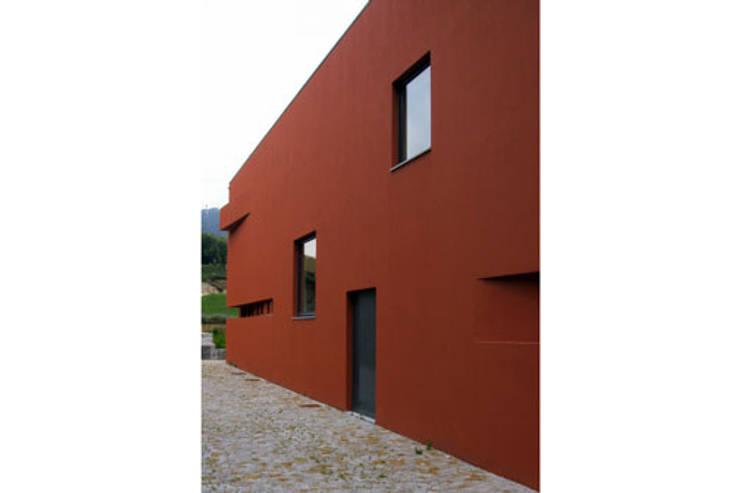 Biblioteca Municipal de Sever do Vouga: Centros de exposições  por mube arquitectura