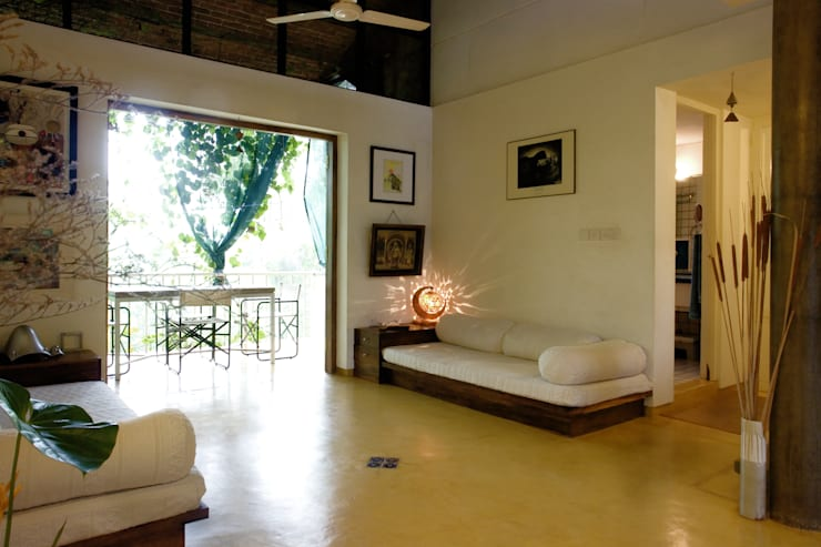 Duplex Apartment, Creativity, Auroville:  Living room by C&M Architects