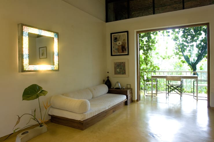Duplex Apartment, Creativity, Auroville: eclectic Living room by C&M Architects