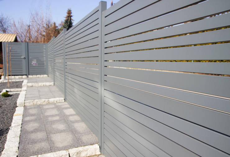 de estilo  por Nive, Moderno Aluminio/Cinc