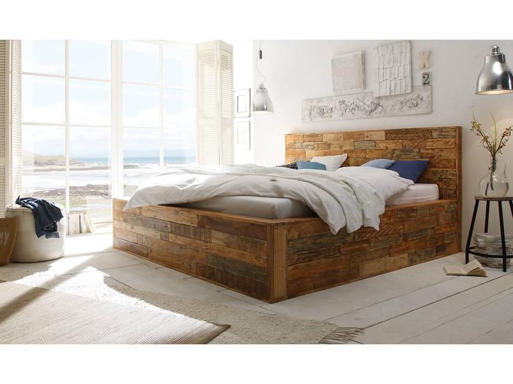 classic Bedroom by massivum