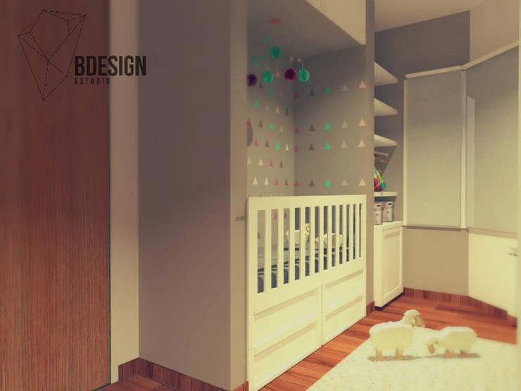 Dormitorio bebe y juvenil: Dormitorios infantiles de estilo  por Estudio BDesign,