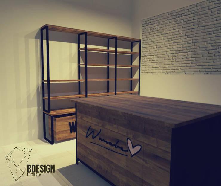 Distribución de espacio: Estudios y oficinas de estilo  por Estudio BDesign
