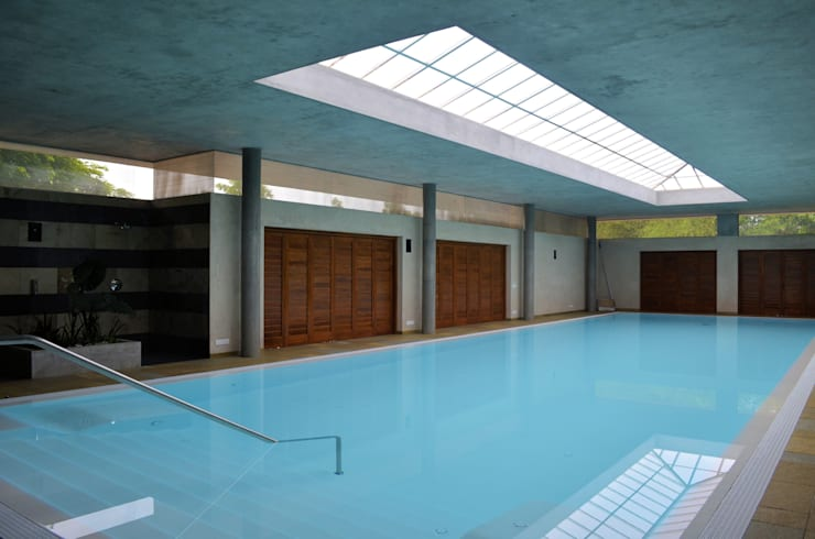 The Inside Pool:  Pool by C&M Architects,Modern