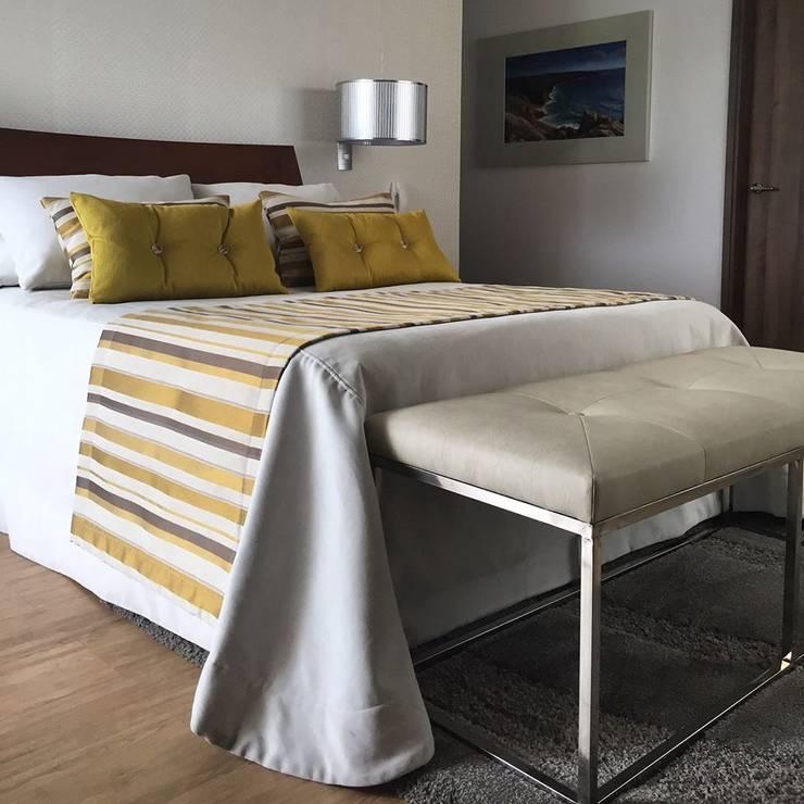 Habitación Principal : Habitaciones de estilo ecléctico por ea interiorismo