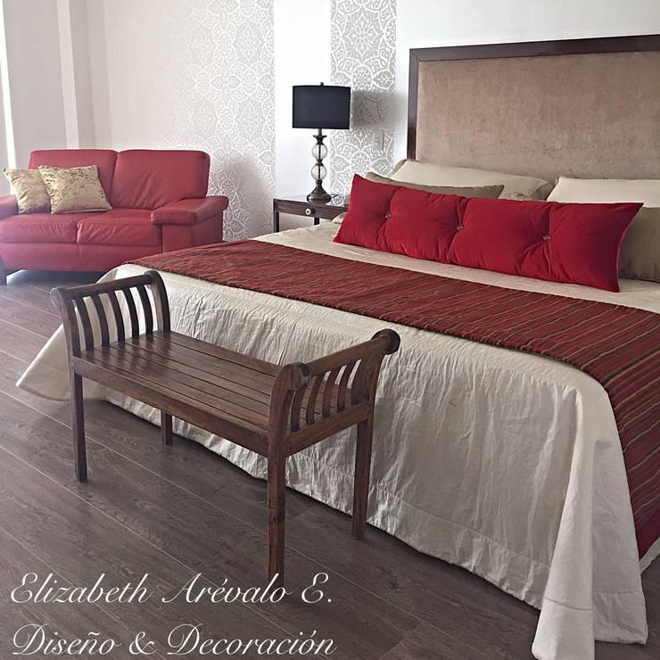 Habitación en Rojo : Habitaciones de estilo ecléctico por ea interiorismo
