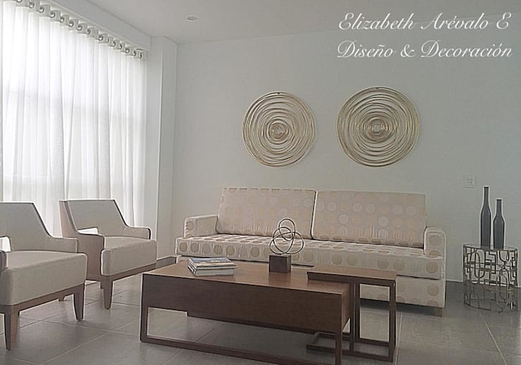 Sala en Casa : Salas de estilo  por ea interiorismo, Clásico Madera Acabado en madera