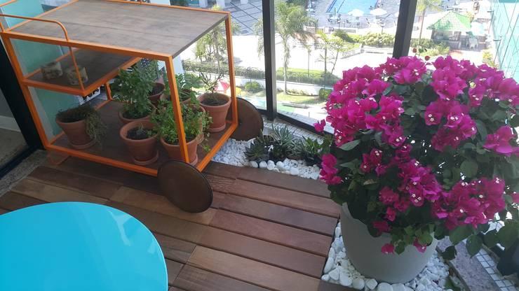Jardines de invierno de estilo moderno por Lucio Nocito Arquitetura e Design de Interiores