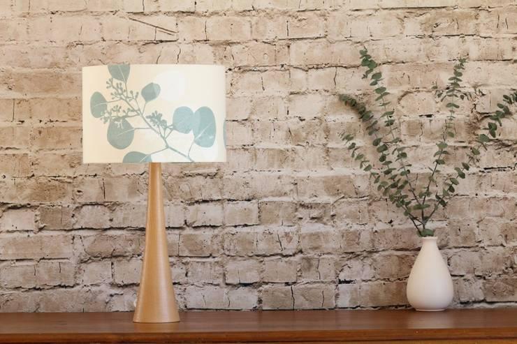 Matilda Silver Gum D30:  Wohnzimmer von Koala Designs