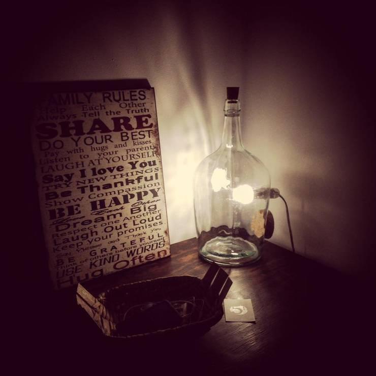 Candeeiro com garrafão 5L com lâmpada interna: Casa  por 5L.CincoLitros