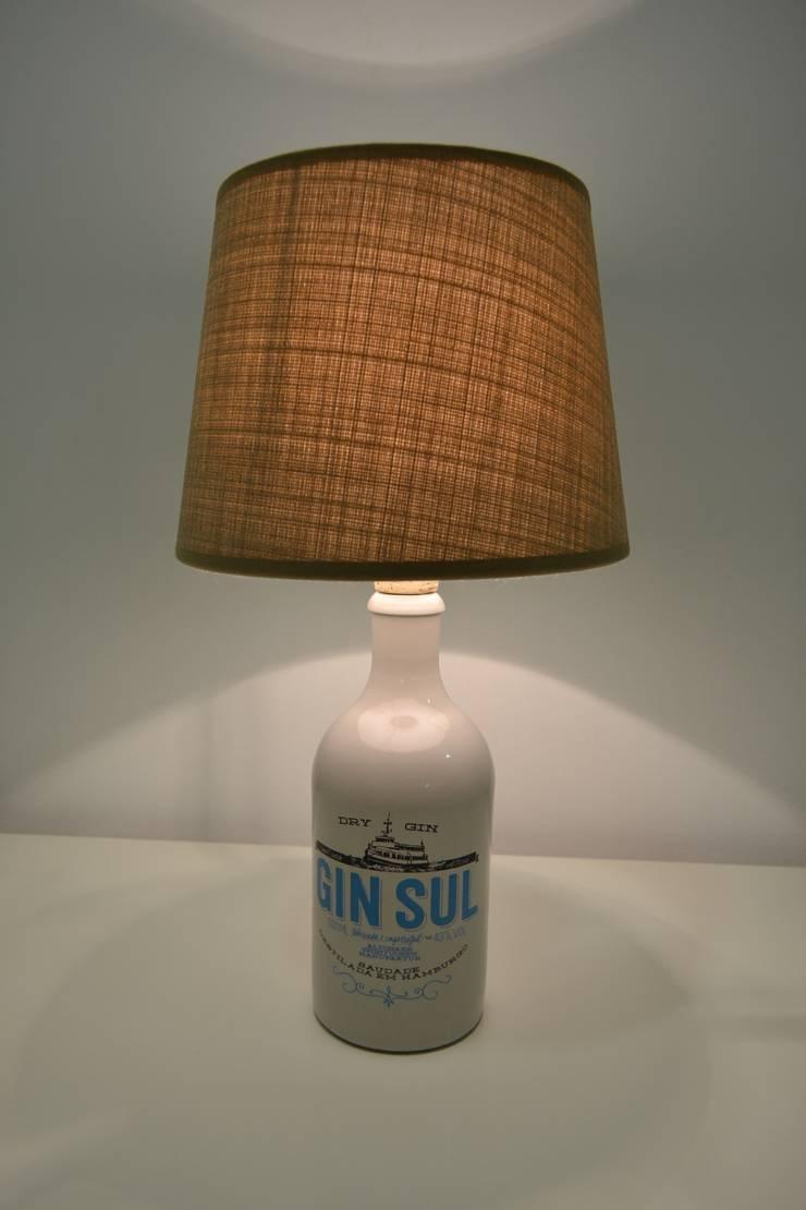 Candeeiro com garrafa de Gin reciclada: Adega  por 5L.CincoLitros